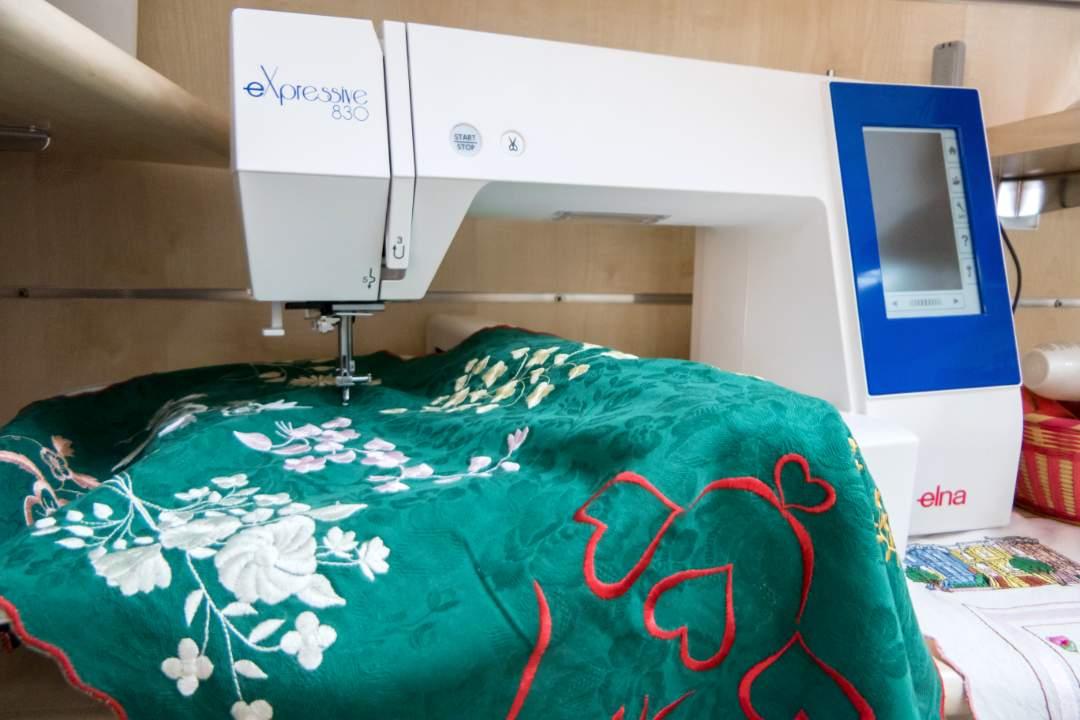 Pellecchia-macchina-da-cucire-Elna-830